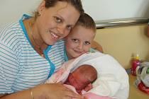 Od pondělí 1. října mají maminka Petra, tatínek David a pětiletý Kubíček z Příbrami radost z nejmladšího člena rodiny – Sabinky Sokolovské, která po narození vážila 3,31 kg a měřila 51 cm.