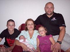 Maruška Hejrová se mamince Janě a tatínkovi Markovi z Rožmitálu pod Třemšínem narodila ve čtvrtek 21. srpna a u jména má z toho dne zapsánu váhu 3,43 kg a míru 50 cm. Oporu bude mít ve starších sourozencích Aničce a Petrovi.