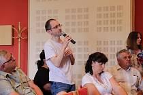 V pátek 21. června dopoledne se ve městě opět hovořilo o stavbě jihovýchodního obchvatu Příbrami. Tentokrát byl hlavním tématem možný zvýšený hluk.