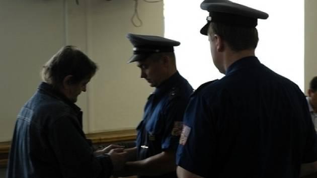 Za týrání manželky dostal Příbramák tříletý trest ve vězení