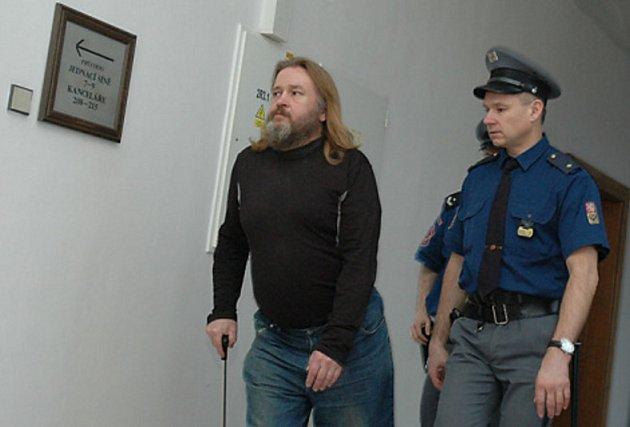 Za obtěžování dcery dostal táta tři roky
