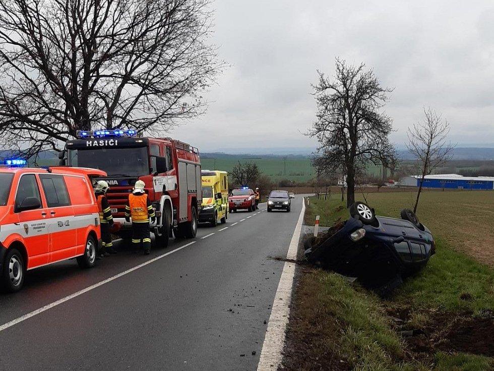 Nehoda v Petrovicích na Rakovnicku.