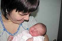 KARINKA Kotalová se narodila ve středu 9. listopadu, vážila 3,65 kg a měřila 51 cm. Doma v Dobříši se na ni a maminku Kateřinu těší tatínek Milan a tříletý bráška Filípek.