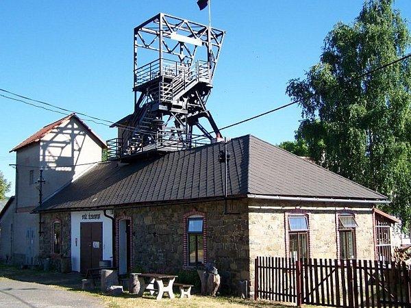 Vyhlídková věž na Řimbabě.