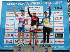 Cyklista Jakub Kavalír (KC Kutná Hora - uprostřed) vyhrál sobotní závod Českého poháru MTB STRABAG CUP 2017 XCE  v Kutné Hoře.