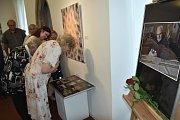 Město Příbram ve středu uspořádalo v Galerii Františka Drtikola za účasti zástupců města, rodiny a blízkých přátel Antonína Dvořáka III. a veřejnosti Podvečer pro Antonína Dvořáka III.