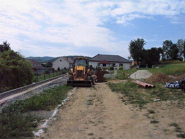 Zasíťování nových parcel v Nechvalicích