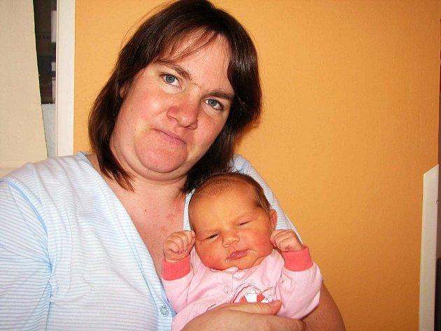 Od neděle 26. prosince má maminka Pavla spolu s tatínkem Josefem z Hoděmyšle radost ze svého prvního štěstíčka – dcerky Veroniky Hrdinové, která má z toho dne u jména zapsánu váhu 3,91 kg a míru 52 cm.