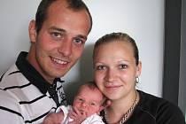 Ve čtvrtek 7. června maminka Kristýna a tatínek Ondřej ze Štětkovic poprvé sevřeli v náručí dcerku Vanesu Jiráčkovou, která v ten den vážila 2,95 kg a měřila 47 cm. Chránit malou sestřičku bude čtyřletý David.