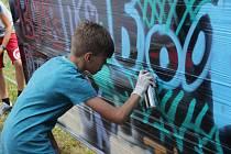 Sprejovat si letos mohly děti na Novém rybníku v Příbrami vyzkoušet na provizorní stěně v rámci letošního Novák Festu.