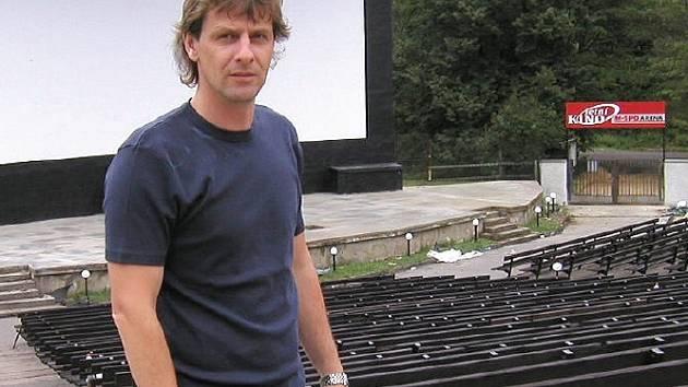 Provozovatel příbramského letního kina Martin Severa