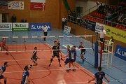 První zápas předkola play-off volejbalové extraligy Příbram - Ústí nad Labem 2:3.