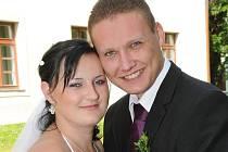 Veronika Červenková a Tomáš Koller si navlékli snubní prstýnky v sobotu 24. srpna hodinu před polednem na Zámečku v Příbrami.