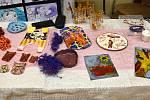 Výstava výrobků keramického kroužku při Základní škole Jince.