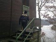Policie kontroluje chatové oblasti pravidelně.