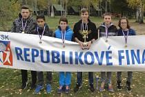 Vítězové MČR škol v přespolním běhu - kluci ze ZŠ Příbram Březové Hory.