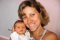 Ondřej Bulina si pro příchod na svět vybral  neděli 20. června, vážil 2,70 kg a měřil 49 cm. Domů do Milína si prvorozeného synka odveze maminka Martina spolu s tatínkem Ondřejem.