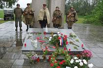 Z uctění památky obětí posledních bojů u Slivice.