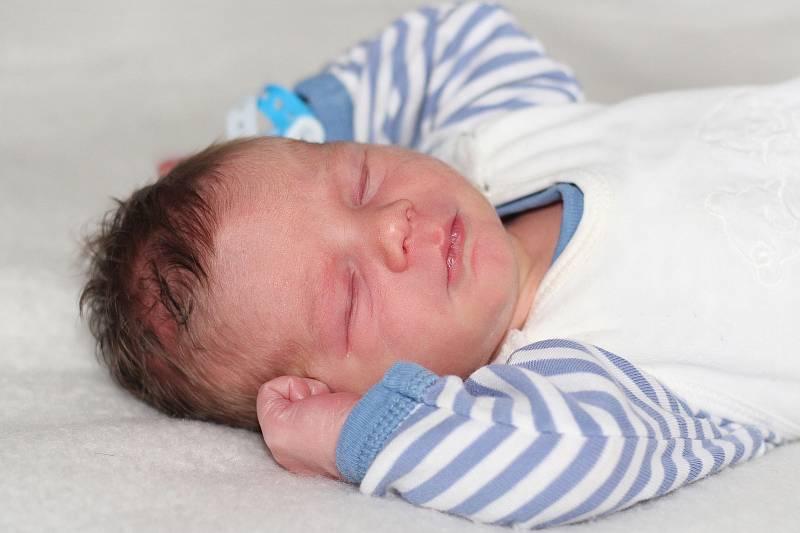 Sebastián Vít se narodil 19. září 2021 v Příbrami. Vážil 3250 g a měřil 50 cm. Doma v Sedlčanech ho přivítali maminka Michala, tatínek Štěpán a čtyřletá Sofie.