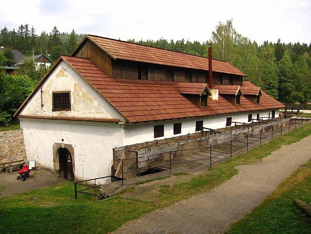 Vodní hamr v Dobřívě.