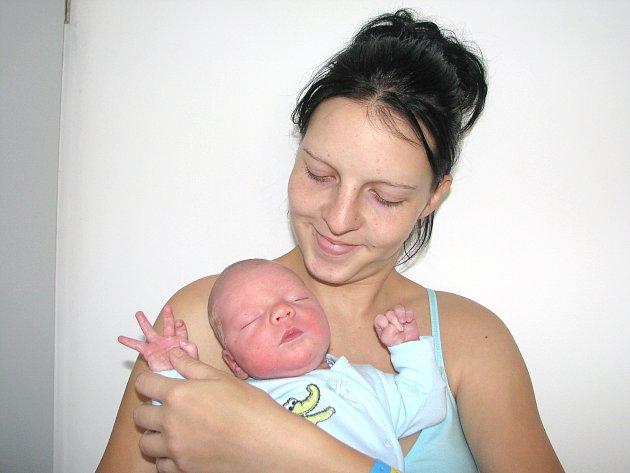 Od pátku 7. září má maminka Petra spolu s tatínkem Tomášem z Příbrami radost ze svého prvorozeného syna Tomáše Severy, který v ten den vážil 3,44 kg a měřil 49 cm.