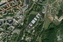 Loď Ever Given na Novém rybníku v Příbrami.