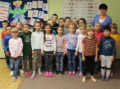 Prvňáčci ze Základní školy a Mateřské školy Jince pod vedením paní učitelky Renaty Hladové.