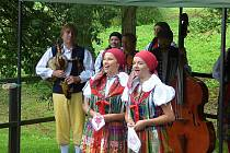 Vysokochlumecký skanzen v sobotu oživila řemesla i folklór z Domažlicka.