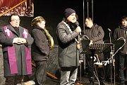 Advent v Příbrami zahájilo rozsvícení vánočního stromu na náměstí TGM FOTO.