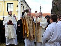 Na obnovu dvou zvonů se složila obec, církev i obyvatelé Svatého Pole.