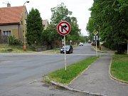 Křižovatka Husovy ulice a výjezdu od obchodního domu Kaufland