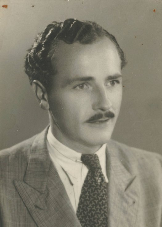 Josef Paul z Příbrami padl 11. 5. 1945 ve Farském lesíku u Slivice. Než zemřel, hitlerovci mu bajonetem vydloubali oči…