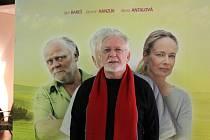 Autor scénáře a představitel jedné z hlavních rolí Jaromír Hanzlík v příbramském kině na předpremiéře filmu Léto s gentlemanem.