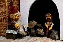 """Výstava """"Pohádková země Vítězslavy Klimtové – skřítci, strašidla a další pohádkové bytosti na Chvalském zámku""""."""