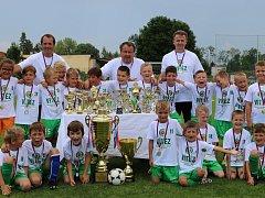 MISTŘI. Přeborníkem mladších přípravek se v letošní sezoně stali hráči Sedlčan.
