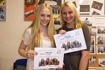 Studentky gymnázia Verča a Julie.