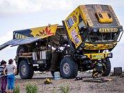 Desátá a jedenáctá etapa Dakaru pohledem Big Shock Racing týmu.