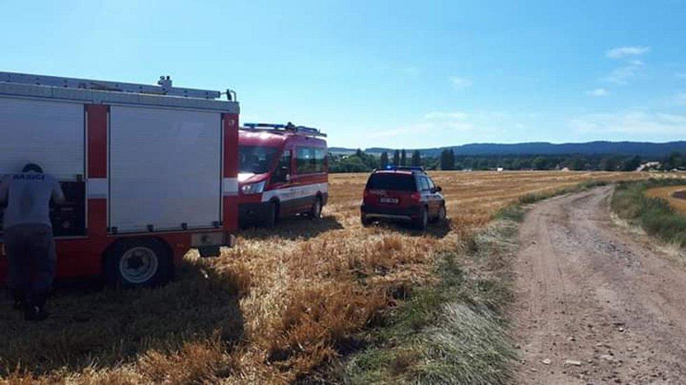 Na Příbramsku v neděli hořelo pole
