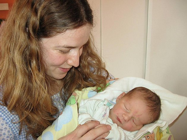 Ve středu 24. března sevřela maminka Václava spolu s tatínkem Pavlem z Příbrami v náručí poprvé svého prvorozeného synka Martina Štěrbáka, který v ten den vážil 3,31 kg a měřil 51 cm.