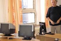 Vladimír Kříž, ředitel příbramského pracoviště Vysoké školy evropských a regionálních studií v učebně školy