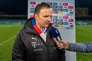 Trenér Karel Krejčí po listopadovém kvalifikačním zápase se San Marinem v Chomutově v rozhovoru pro Českou televizi. Teď odpovídal na otázky Deníku.