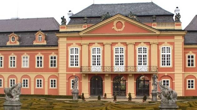Zámek Dobříš - sídlo rodiny Colloredo – Mannsfeldů
