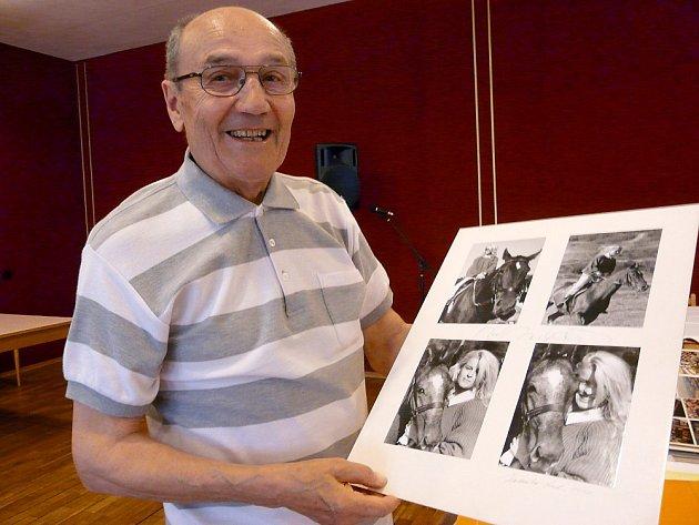 Ladislav Hadraba ze Sedlčan se s fotoaparátem skamarádil před pětašedesáti lety.