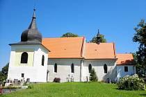 Kostel sv. Prokopa a Navštívení Panny Marie ve Hvožďanech.