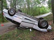 Tochovice, smyk na mokré vozovce, lehké zranění, škoda 70 tisíc.
