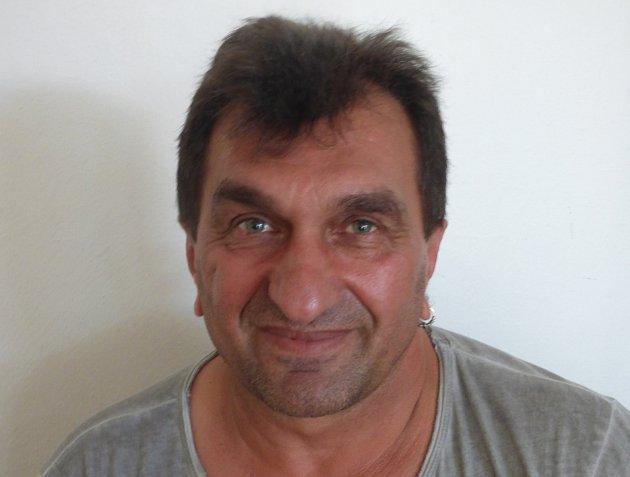 Drahoslav Kaco Oláh při rozhovoru pochválil manželky muzikantů Sáry, které je vždy podporovaly a doprovázely i na koncerty.