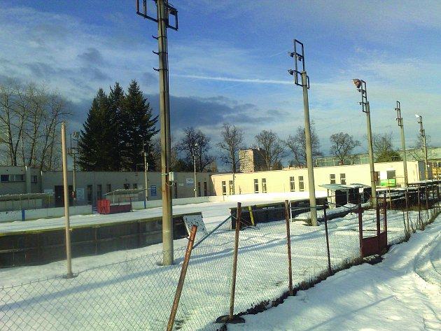 Zimní stadion vDobříši stále čeká na rekonstrukci
