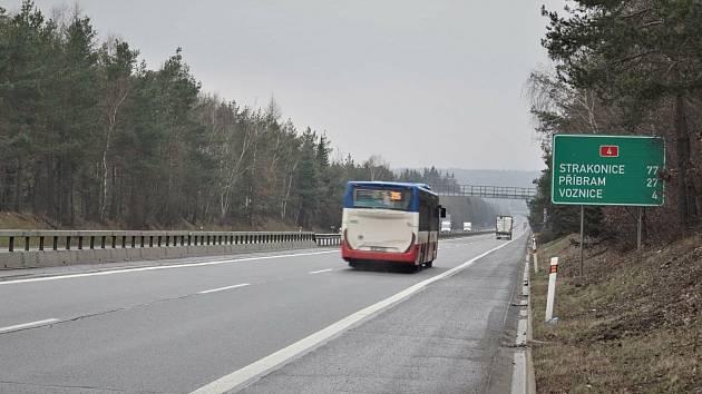 Dálnice D4 na Příbramsku.