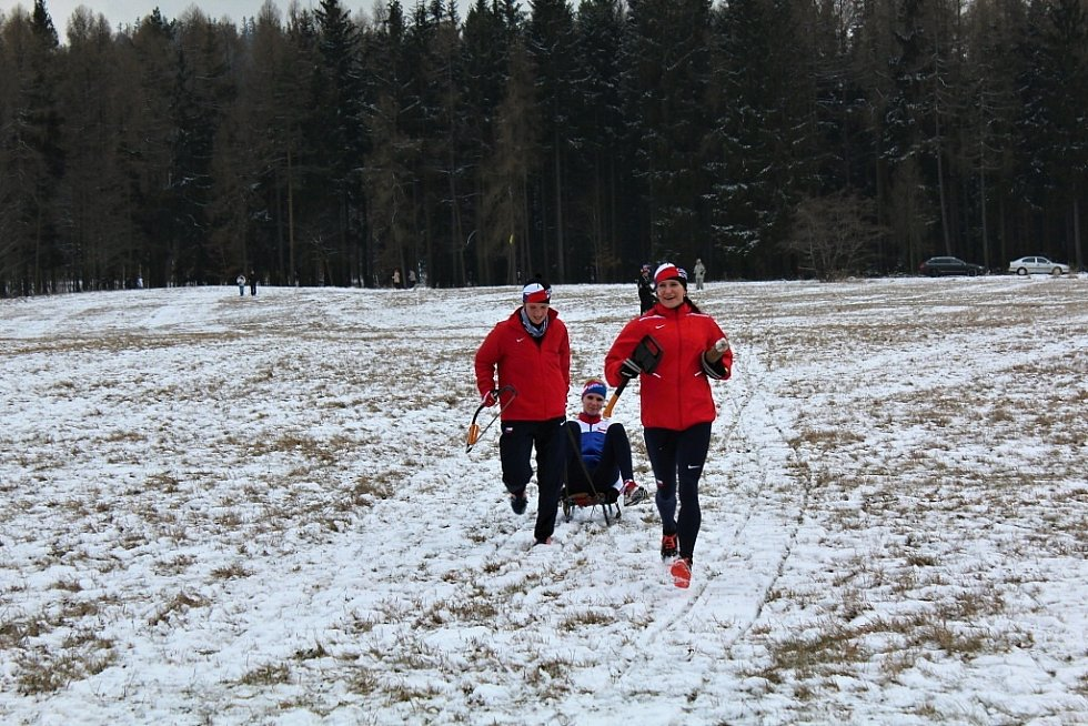 Necelé tři desítky posádek se v sobotu odpoledne postavily na start 38. ročníku populárního Zlatého nugetu Bečánova. Nejrychlejší posádka zvládla zhruba sedmikilometrovou trasu za necelou hodinu.