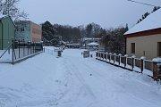Přívaly sněhu jsou i v Obecnici, obyvatelé se bojí záplav při tání.